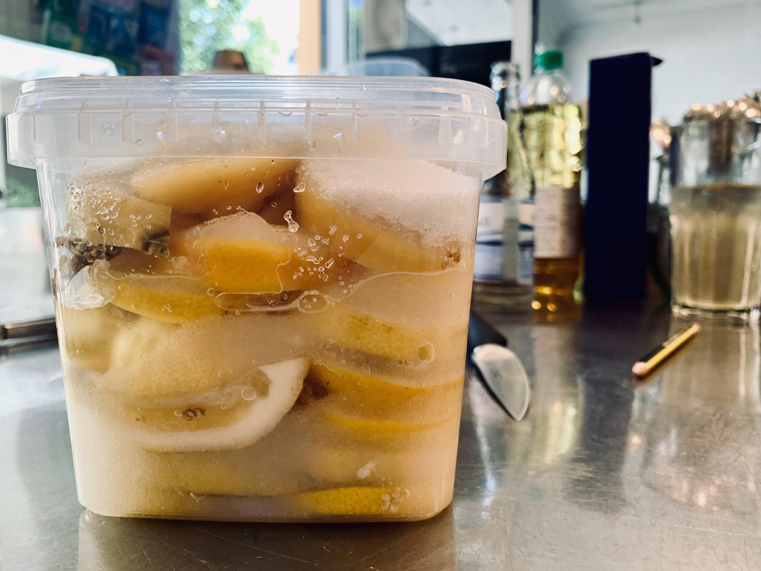 Syltede hyldeblomst citroner