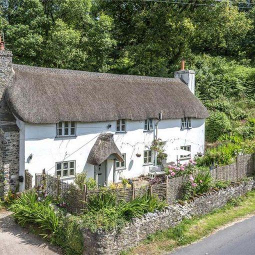 Autumn Cottage - Grade II thatched cottage in Dunkeswell, Devon