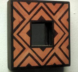 1983 Liten intarsiaspegel