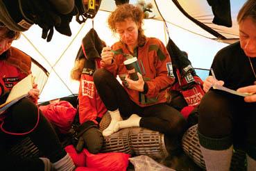 zoe.thin.tent.21.13