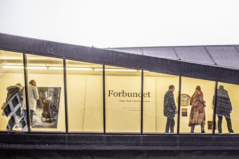 """Fernisering på soloudstillingen """"Forbundet"""" og bogreception i Galerie Wolfsen ´20."""