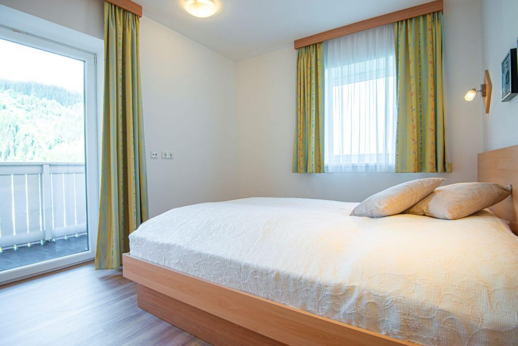 aparthotel-schillerhof-room-sh2-5