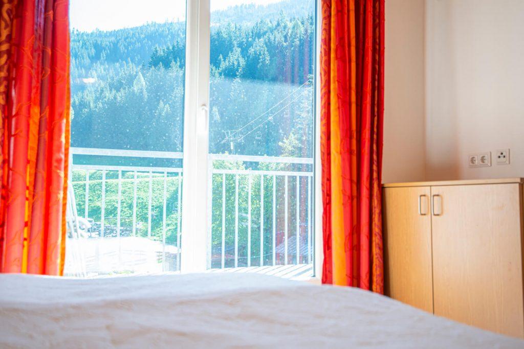 aparthotel-schillerhof-room-sh3p-10