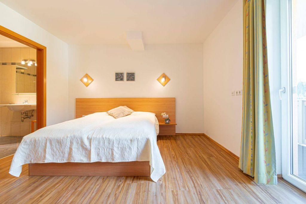 aparthotel-schillerhof-room-sh3+-4