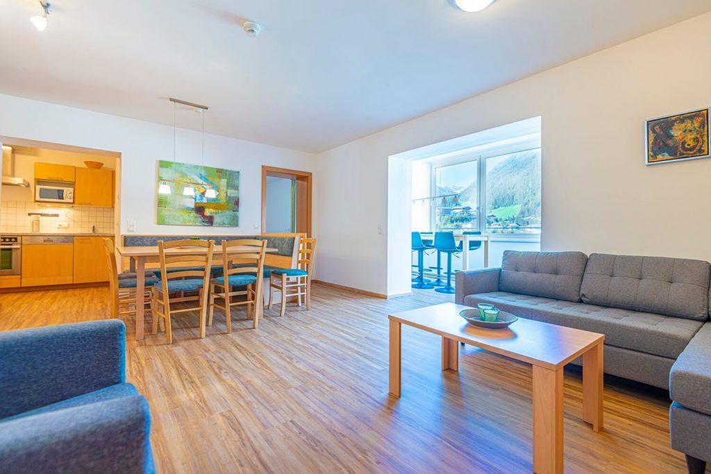 aparthotel-schillerhof-room-sh3c+-4