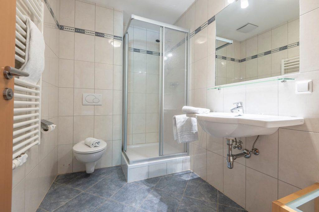 aparthotel-schillerhof-room-sh3c+-6