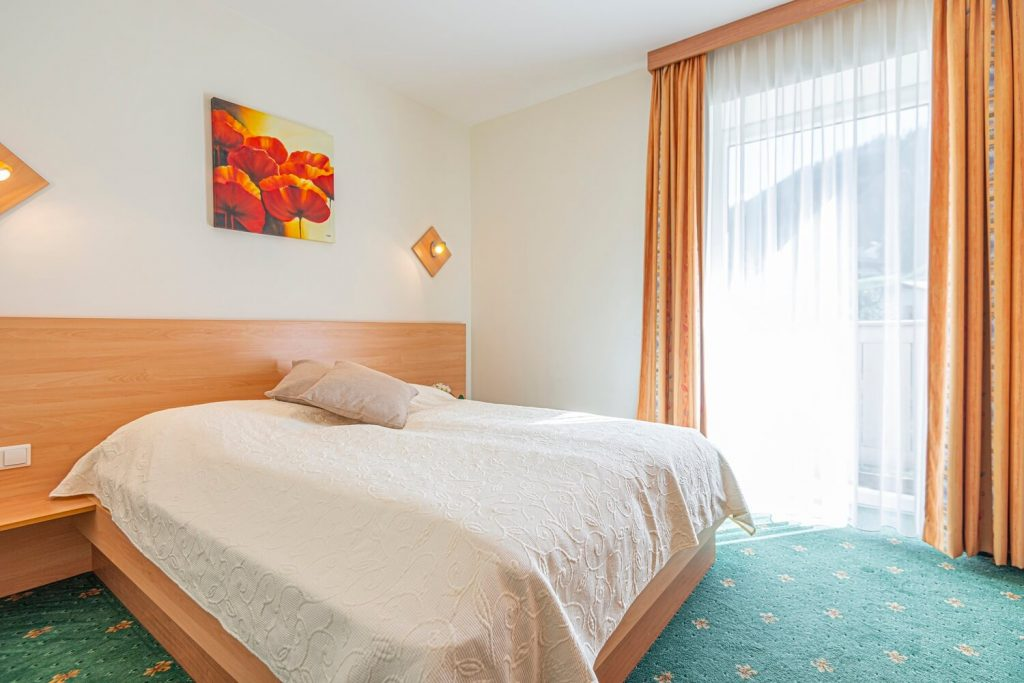 aparthotel-schillerhof-room-sh3c+-3