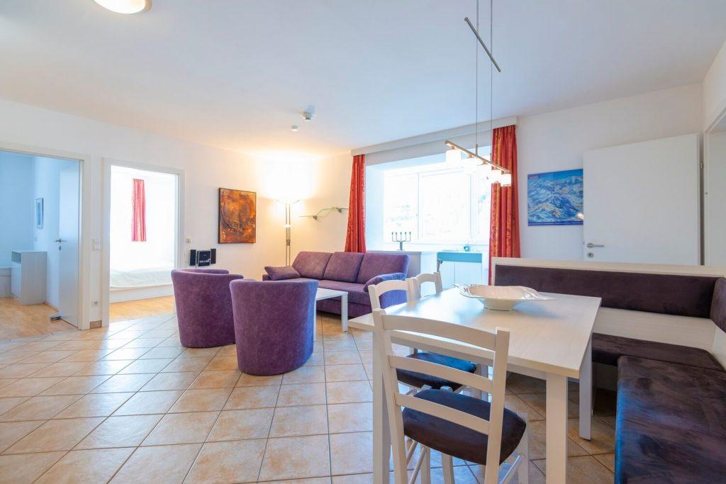 aparthotel-schillerhof-room-sh3c+-2