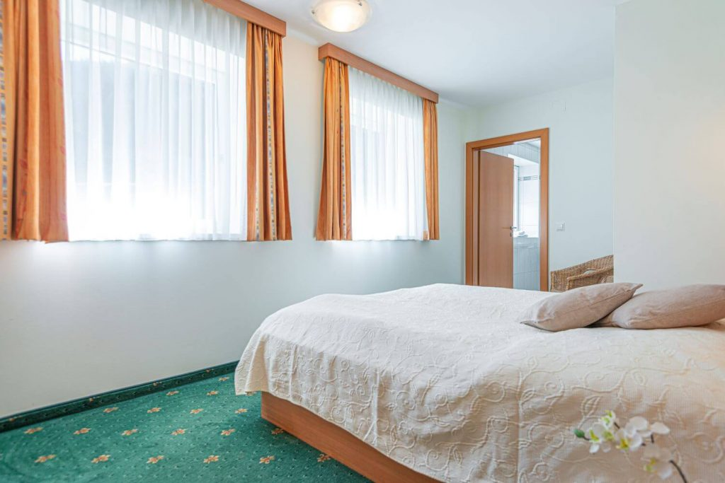 aparthotel-schillerhof-room-sh3c-6