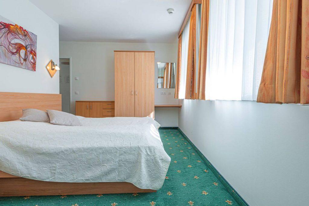 aparthotel-schillerhof-room-sh3c-5