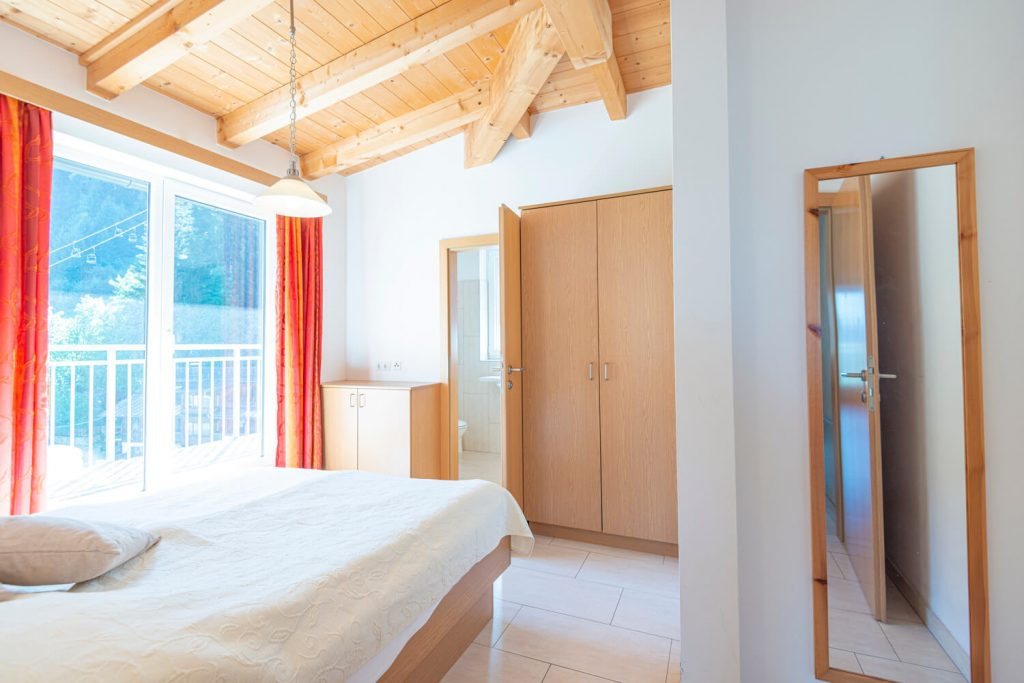 aparthotel-schillerhof-room-sh3pd-2