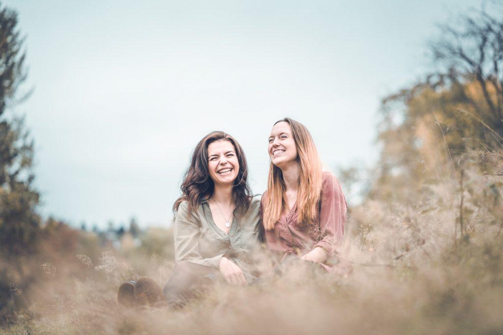 Fotoshooting Freundinnen Natur