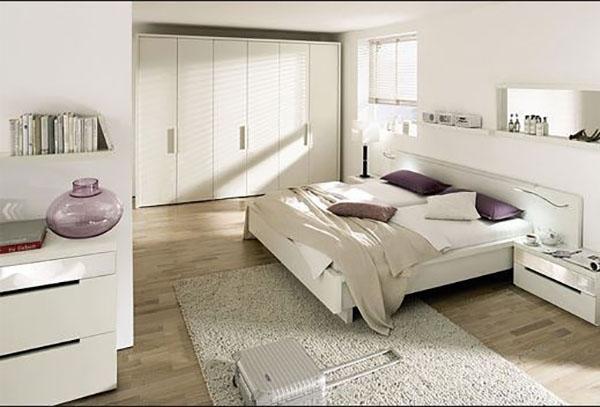 Dormitorio con tarima blanco
