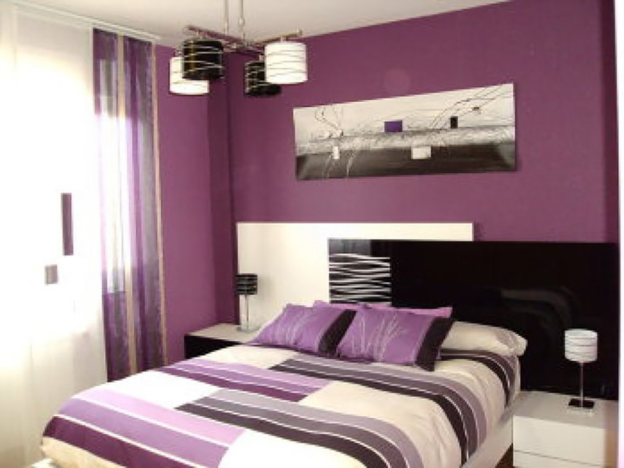 Dormitorio color morado