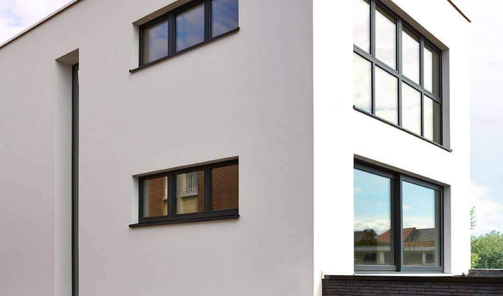 Edificio con ventanas Zendow#neo Premium de PVC