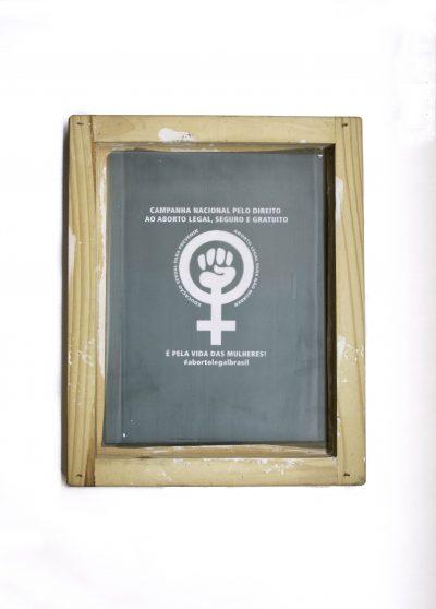 Tela de serigrafia do lenço brasileiro pela legalização do aborto