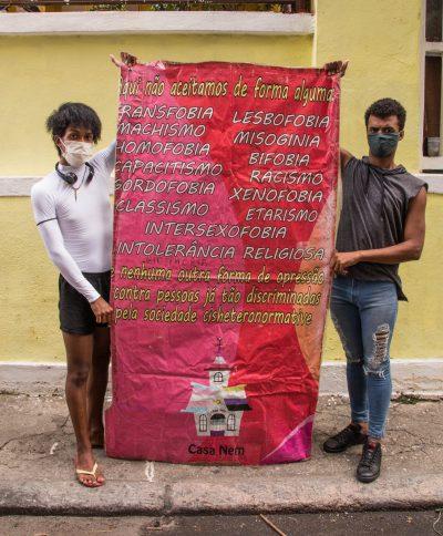 Cartaz contra todas as formas de opressão
