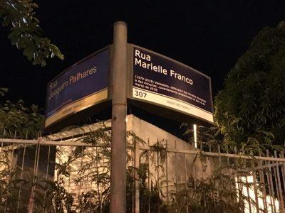 Quarta placa Rua Marielle Franco: ato no local do crime