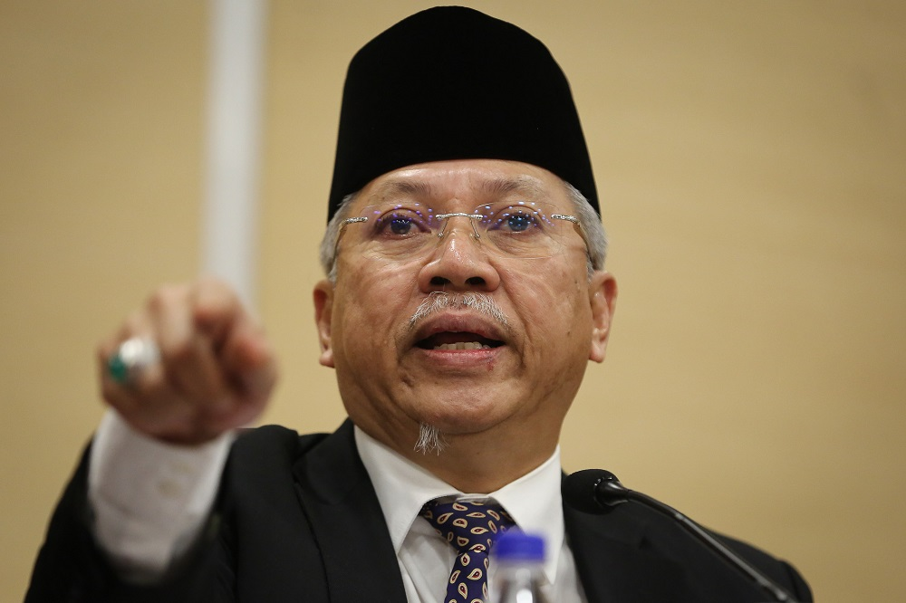 Tan Sri Annuar Musa says Barisan Nasional will defend all of its traditional seats in the next general election. — Picture by Yusof Mat Isa