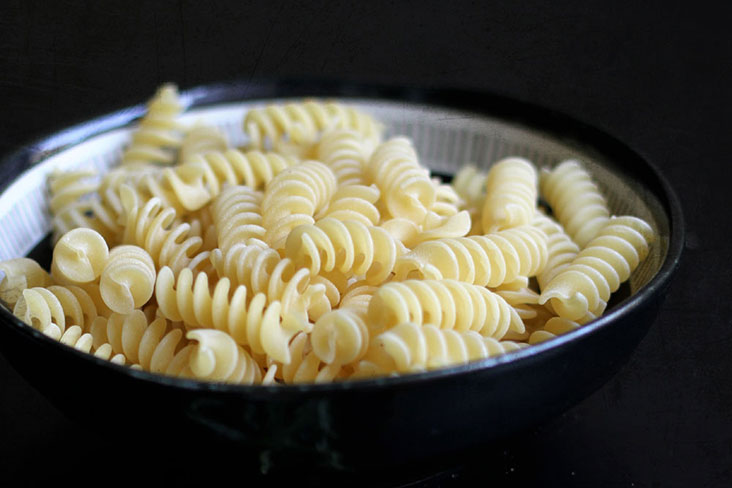 Any short pasta will work in a cheese bake; here the spiral-shaped fusilli is used