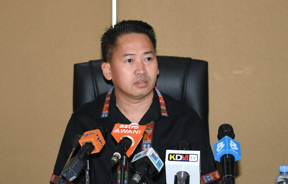 The question that has been lingering is whether or not there will be another 'giant killer' like Kadoh in Melalap as the incumbent Datuk Peter Anthony (pic) of Warisan is not only being challenged by Kemabong incumbent Jamawi Jaafar (BN), but also by PBS deputy president Datuk Seri Radin Malleh, Apiang Sausun (PCS), Sazali Justi (USNO) and Masdin Tumas (LDP). — Bernama pic
