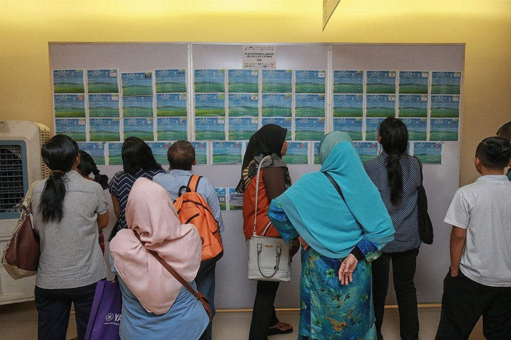 Hundreds of job seekers visited the Job Fair at Urban Transformation Centre (UTC) 5.0, Ipoh in this file picture taken on October 6, 2018. — Picture Marcus Pheong