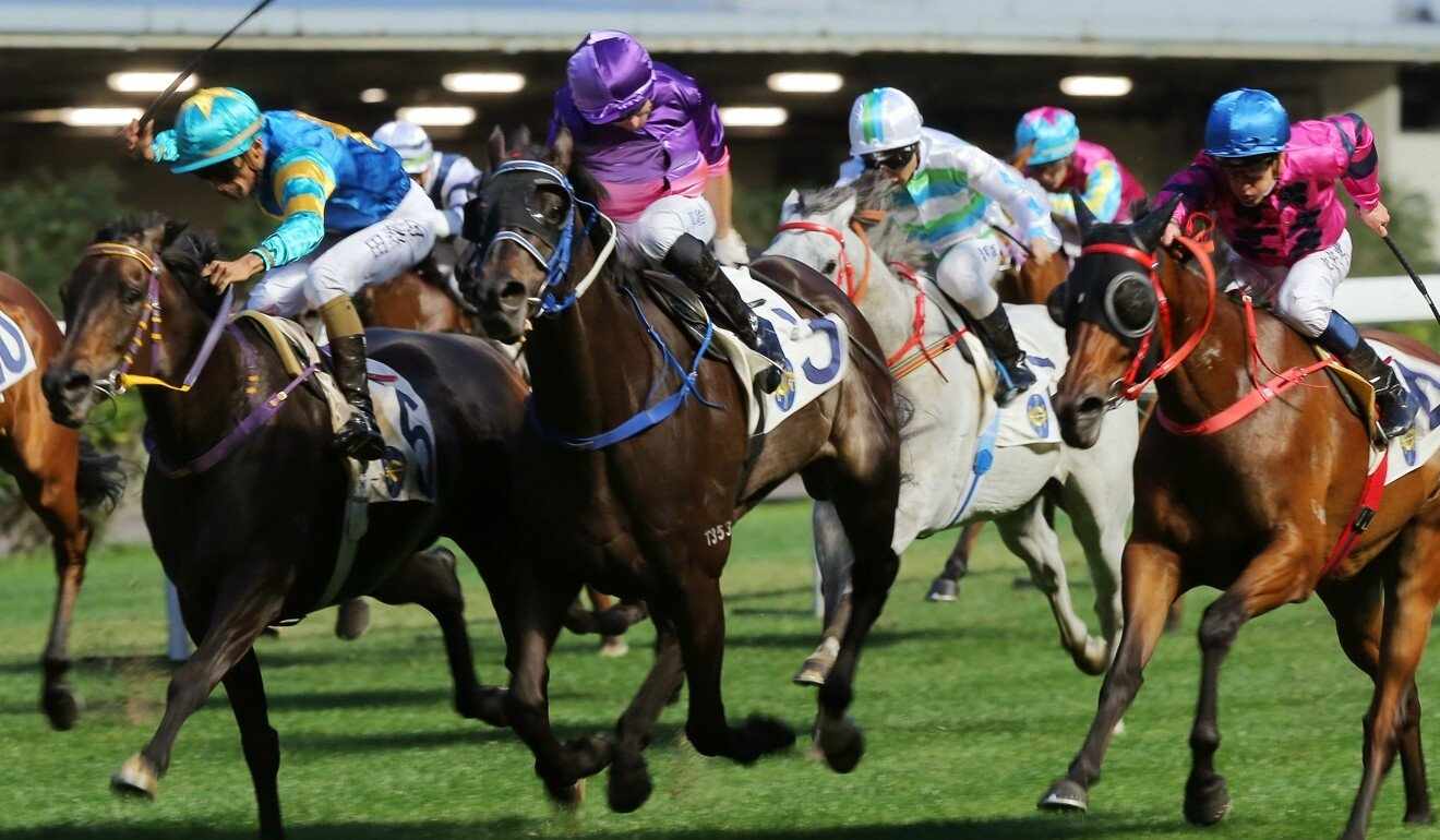 Nitro Express (centre) runs second at Happy Valley in April.