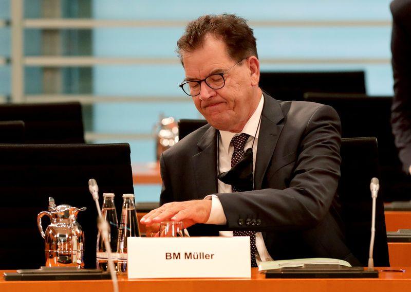 © Reuters. Weekly German cabinet meeting in Berlin