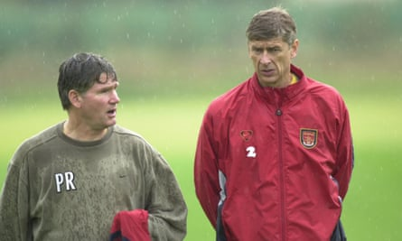 Arsène Wenger with Pat Rice in August 2000.