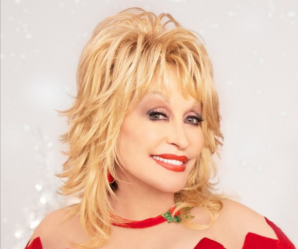 Country singer Dolly Parton donated US$1 million towards the Covid-19 vaccine research. — Photo via Facebook/ Dolly Parton