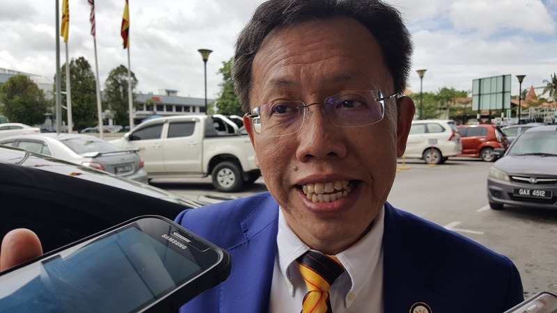 Local Government and Housing Minister Datuk Seri Dr Sim Kui Hian was clarifying the need to amend Section 3 of the Local Authority (Amendment) Ordinance, 2020, which would give native status to local authorities listed in the Schedule for all purposes under the Land Code.—Picture by Sulok Tawie