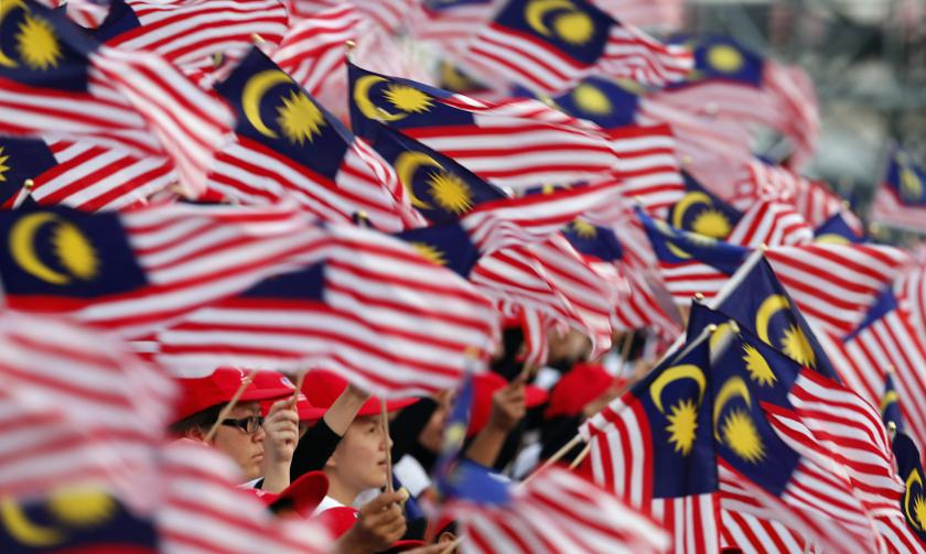 According to a survey, more Malaysians are unsure today as to who they wish to vote for if a general election is called soon. — Reuters pic