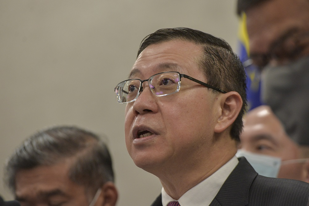 DAP's Lim Guan Eng had been summoned to Bukit Aman concerning Pakatan Harapan's statement last month which spoke of the Emergency declaration. — Picture by Shafwan Zaidon