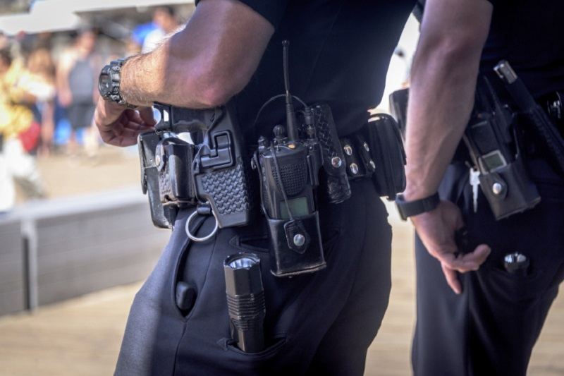 The use of strangleholds during arrests is not medically justified and is even dangerous, according to a team of American neurologists. ― Istock.com/AFP pic