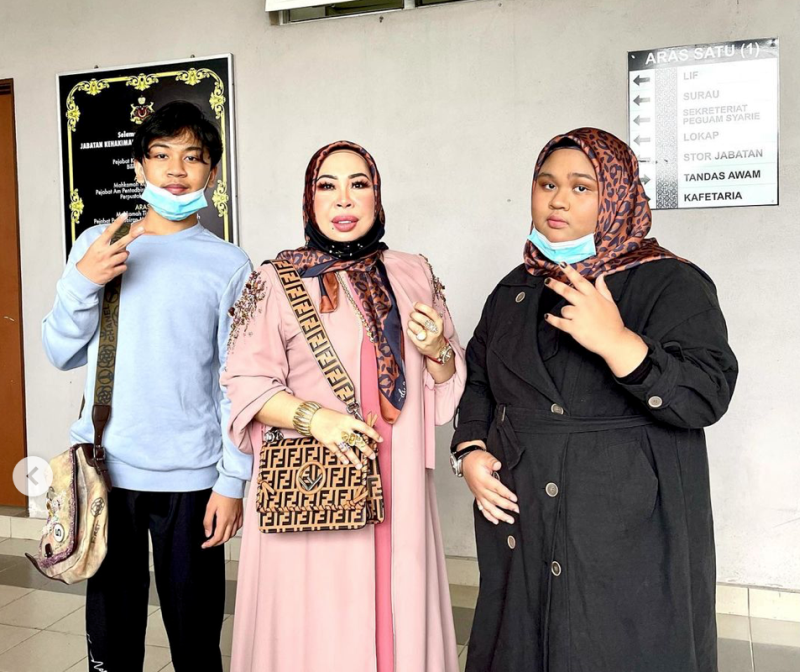 (From left) Muhammad Eric Zaquan, Datuk Seri Vida, and Nur Edlynn Zamilleen at the Kota Baru Shariah Court yesterday. — Picture via Instagram/cikb_havoc66