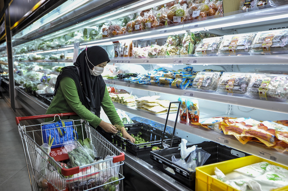 MIDF Research said food and non-alcoholic beverages grew by 1.3 per cent year-on-year (2019: 1.7 per cent) while non-food prices decreased by 2.3 per cent year-on-year (2019: 0.2 per cent). — Picture by Shafwan Zaidon