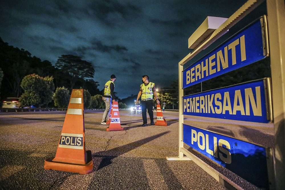 Sabah Covid-19 spokesman Datuk Masidi Manjun said that the state has clumped districts into six zones, with the exception of Nabawan that is under a movement control order following the discovery of a cluster there last week. ― Picture by Hari Anggara