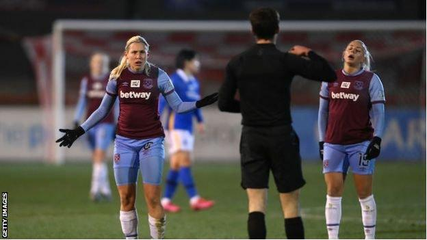 West Ham's Katerina Svitkova is booked by referee Isaac Searle