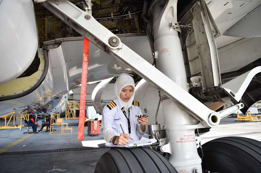 The national carrier has joined IATA's 25by2025 initiative to improve female representation in the male-dominated aviation industry.  —  Picture courtesy of Malaysia Airlines