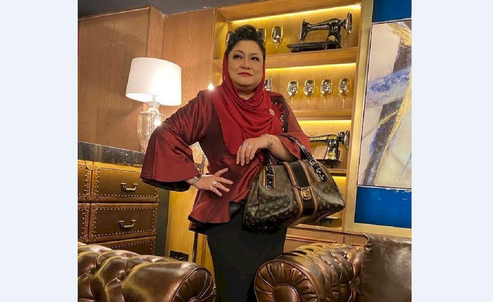 Singer and actress Adibah Noor has offered to teach English on education TV channel, DidikTV KPM. — Photo via Instagram/ adibahnoormohdomar