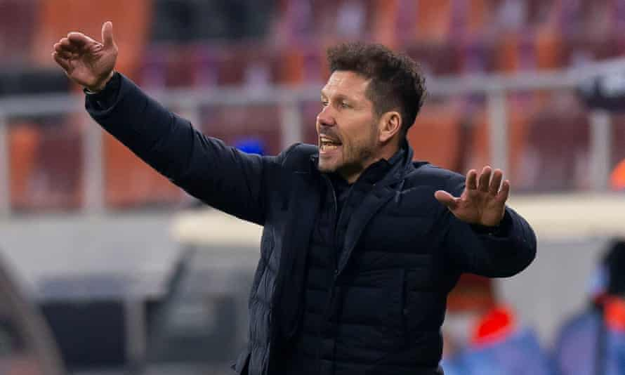 Diego Simeone gestures during his Atlético Madrid team's 1-0 defeat in Bucharest.