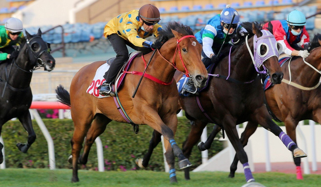 Neil Callan partners E Brother to victory in a trial at Sha Tin.
