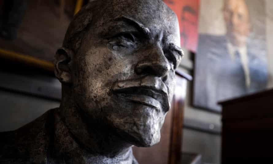 A bust of Vladimir Lenin