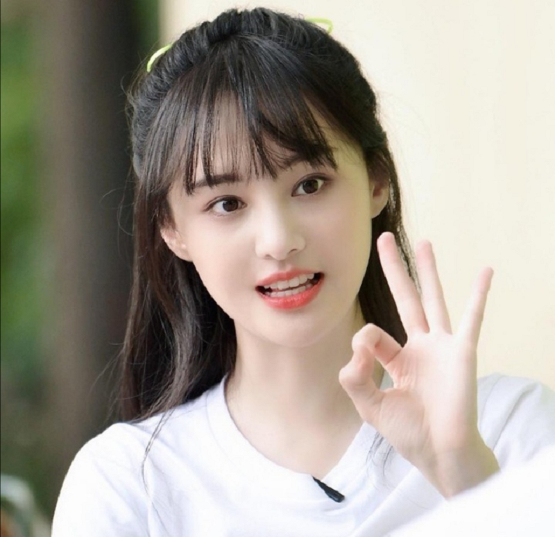 Following her surrogacy scandal, scenes featuring Chinese actress Zheng Shuang will be digitally removed. ― Picture via Facebook/ Zheng Shuang