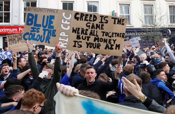 Chelsea fans protesting outside Stamford Bridge