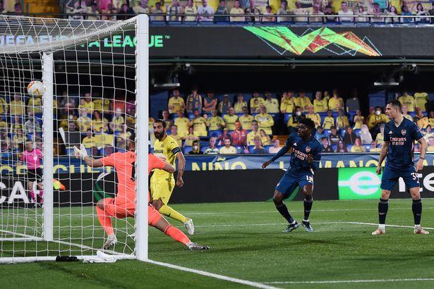 Raul Albiol doubled Villarreal's lead