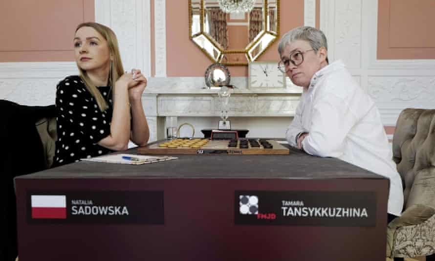 Sadowska (left) and Tansykkuzhina (right)
