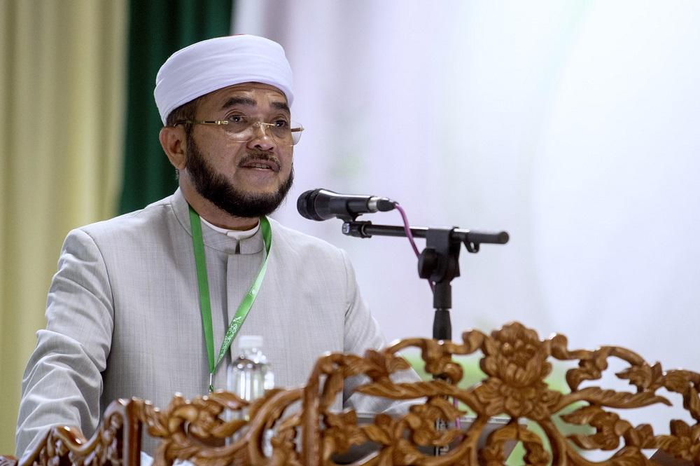 Datuk Nik Muhammad Zawawi Nik Salleh speaks at the Pas annual Muktamarin Machang September 12, 2020. — Bernama pic