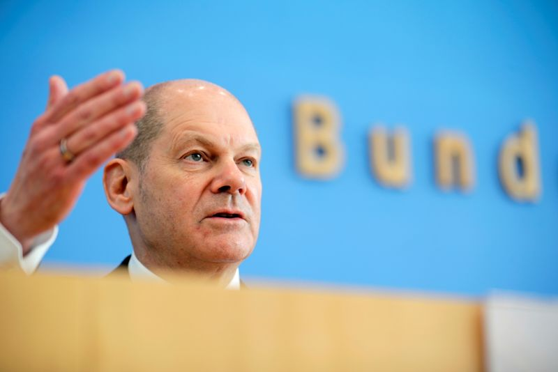 Germany earns two billion euros with its debt in first quarter - document