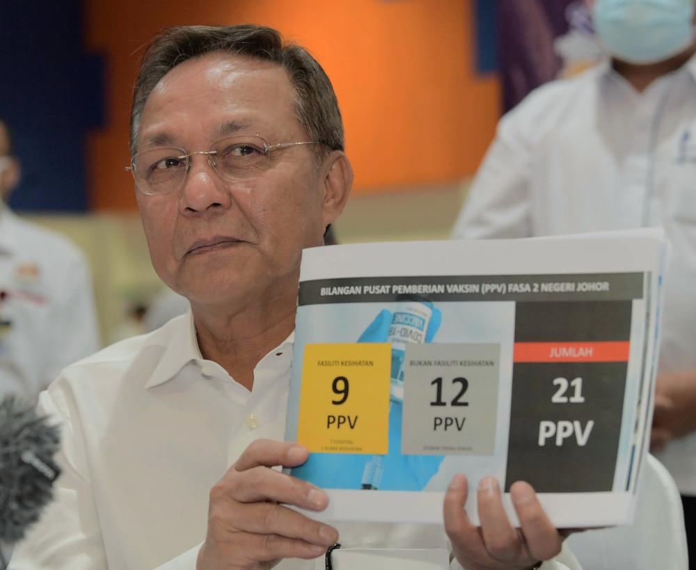 Johor Mentri Besar Datuk Hasni Mohammad during a press conference after observing the immunisation programme at Dewan Muafakat Johor Adda Height in Johor, April 29, 2021. — Bernama pic